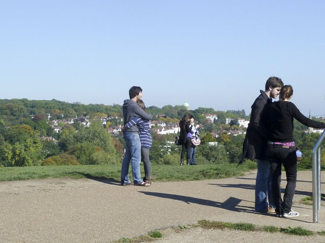 Picture of Parliament Hill rise in Hampstead Heath.